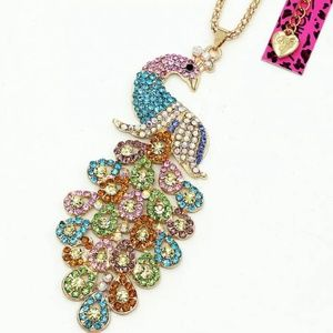 🦚Stunning Betsey Johnson Crystal Peacock Necklace